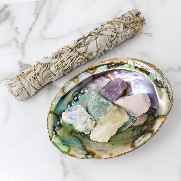 Sage and Chakra Gemstones Gift Set for Beginners or New Home with Abalone Shell, Gemstone Bracelet, Palo Santo